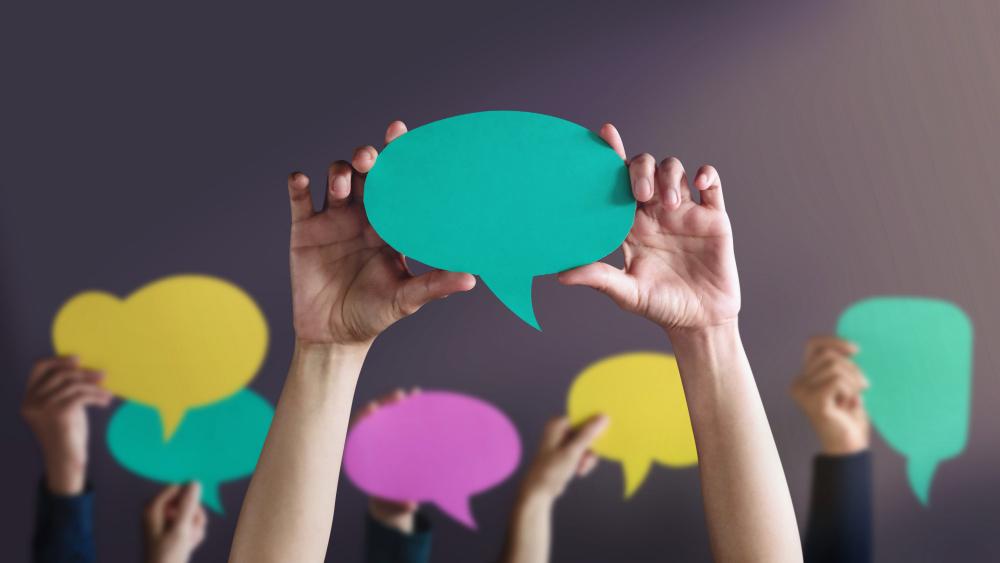 people-holding-speech-bubbles-1
